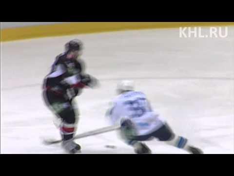 Fadeyev flips Yakutsenya hard / Фадеев отправляет Якуценю в полет