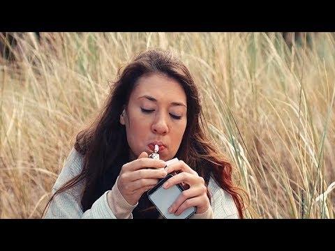 FLY ALONE (2015) | cały film | PL | English Subtitles | reż. Klaudia Bielecka | Helena Sujecka