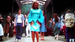 """The Name Game"" - Version American Horror Story, interprétée par Jessica Lange"