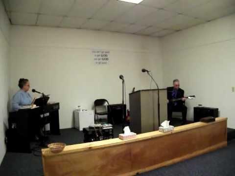 apostolic singing bro.& sis gibson 001.AVI