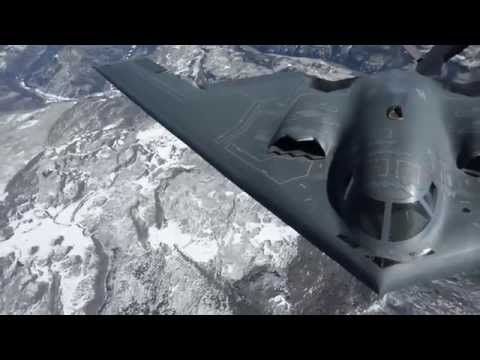 Watch A B-2 Bomber Refuel And Then Make Its Fuel Receptacle Disappear
