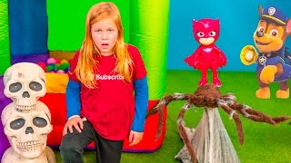 ASSISTANT Spooky Inflateable Bounce Hunt for Paw Patrol + PJ Masks Video