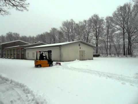 Sneeuwruimen in Oploo 2010