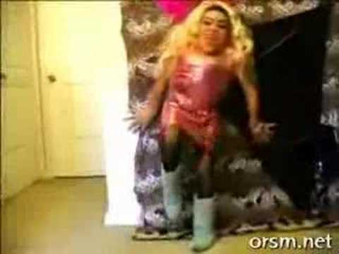 Crazy dancing spanish midget