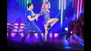 """Mariela Anchipi y Mauro Caiazza bailando """"Le hace falta un beso"""" de Agapornis"""