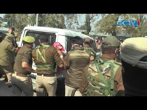 Police foil employees' Raj Bhavan march in Srinagar