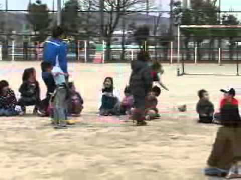 【京都市公式】松井大輔選手、小学校で震災避難児と交流(平成