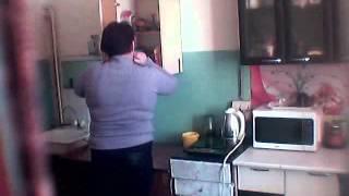 Соседи кушают в моём холодильнике))
