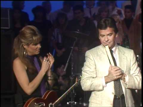 Dick Clark Interviews The Bangles - American Bandstand 1986
