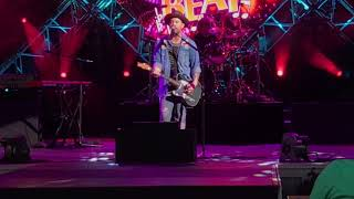 David Cook 'Heroes' with snippet of David Bowie 'Heroes' /Epcot Eat to the Beat/ Walt Disney World
