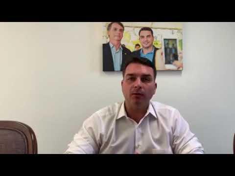 Senador Flávio Bolsonaro acusa rede Globo de perseguir o Governo do pai