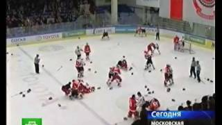 хоккейный матч с самого начала перешёл в драку