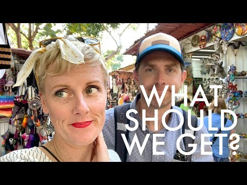 BUYING GIFTS FOR THE KIDS IN MEXICO : Adventuring Family of 11