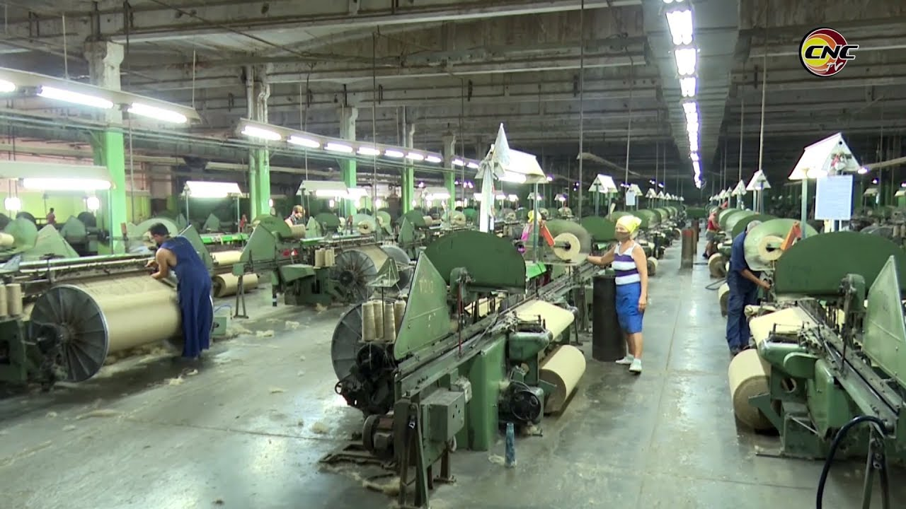 Garantiza fábrica granmense producción nacional de sacos para productos exportables