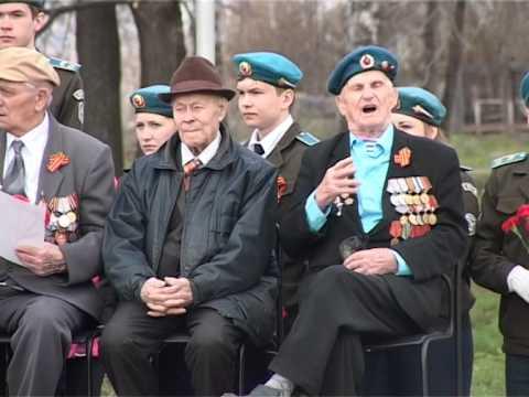 Николай Богомягков, участник ВОВ поет песню День Победы. Пробирает до слез...