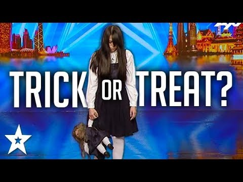 SCARIEST MAGIC TRICK! Creepy Girl Freaks Out Asia's Got Talent Judges (видео)