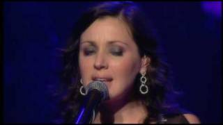 that's the way how woman feels Tina Arena Greatest Hits Live