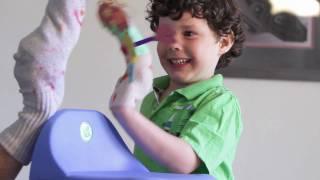 Preschooler: Everyday Moments - Creative Play