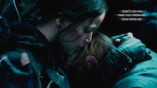 Katniss & Peeta II Hands of Love