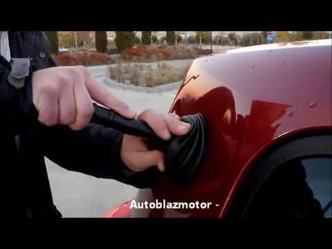 Bollo en el auto con desatascador