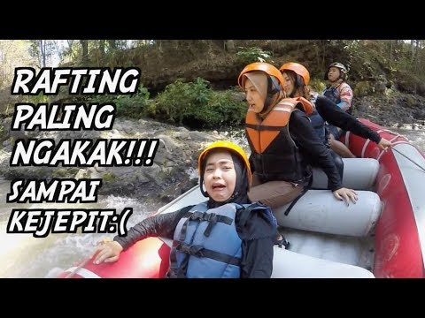 RAFTING DI MALANG, LEHER NYANGKUT. wkwkwk