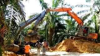 Excavator volvo terbalik, craser