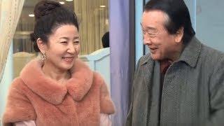 Ông Sun Chê đau hết cả đầu khi cùng bà Cha Ốc chọn nội thất cưới lòe loẹt như trẻ con
