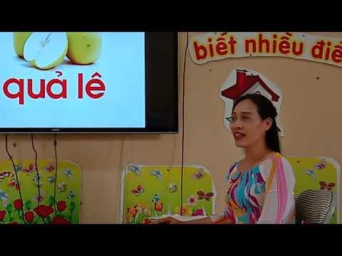 Cô giáo Phùng Thị Thao dạy trẻ làm quen chữ cái m,n,l