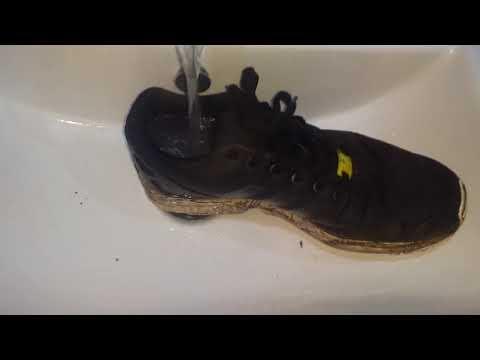 Cleaning Muddy Adidas ZX Flux