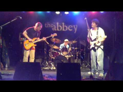 Sneaky Gene at Abbey Pub-Rain The Soul part 2