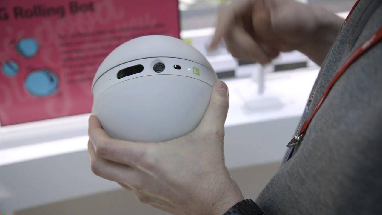 LG Rolling Bot at MWC 2016 thumbnail