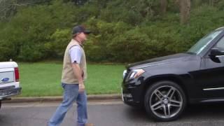 Эвандер Холифилд показывает  почему агрессивное поведение на дороге является плохой идеей