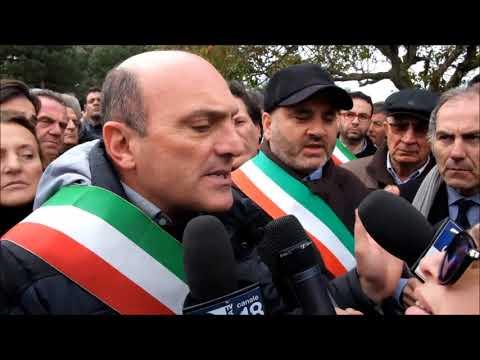 Protesta per aeroporto di Crotone a Lamezia
