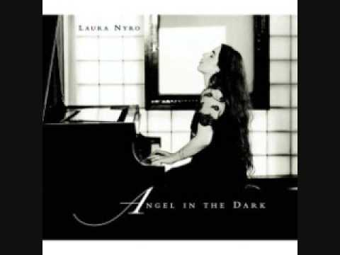 Música Angel In The Dark