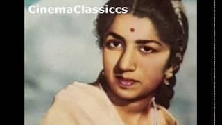 Karigar 1958 : Bhayi Bairan Kaali Ratiyan : Lata   - YouTube