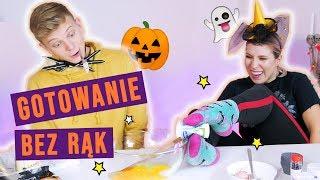 Gotowanie BEZ RĄK #challenge! 😱 Halloweenowe babeczki - Dominik Rupiński i Agnieszka Grzelak Vlog