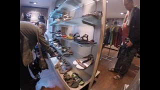 2014-12-13 Shoe shopping, New Delhi