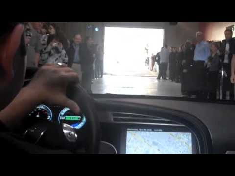 Tesla Model S Electric Sedan's Huge Haptic Touchscreen Dashboard In Action
