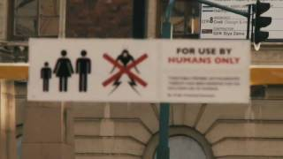 District 9 Official Trailer HD