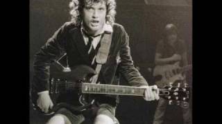 LOVE AT FIRST FEEL - AC/DC (my tribute to Angus Young)