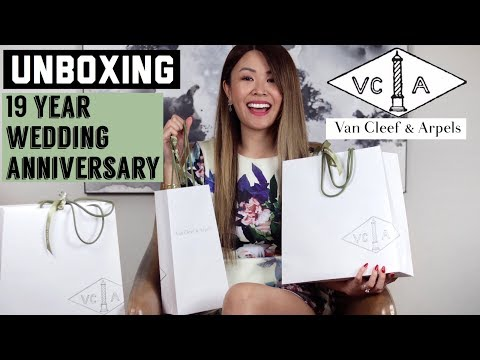 WHAT I GOT FOR MY 19YR WEDDING ANNIVERSARY - VAN CLEEF & ARPELS UNBOXING 💑