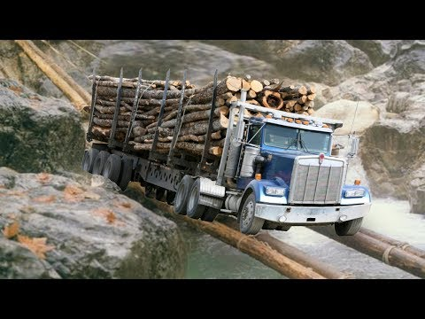 Truck Crossing The Dangerous Wooden Bridge-Amazing Trucks Driving Skills On Extreme Roads