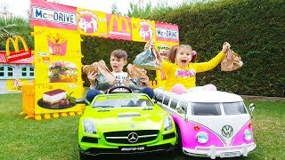 Kids Pretend Play 🍔 Magic McDonalds  🚗 DRIVE THRU