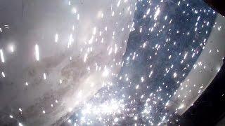 Новогодний фейерверк в подъезде 01.01.17 Омск.