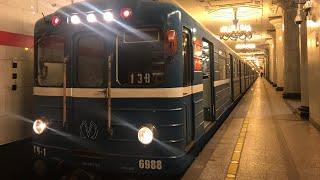 """Метро-Поезд Ема-502 по №138 """"Девяткино - Проспект Ветеранов"""" борт №6988"""