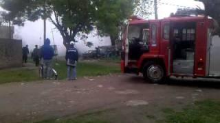 preview picture of video 'Bomberos en Accion'