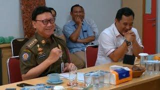 Mendagri Tjahjo Kumolo Senang Pakai Cincin Akik Fosil Air Mani Gajah