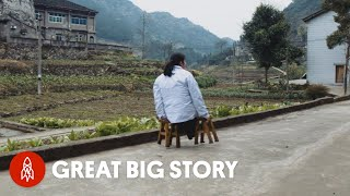 How a Doctor Without Legs Treats Patients in Her Mountain Village