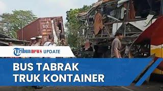 Kecelakaan Maut Bus Tabrak Truk Kontainer Parkir di Kulonprogo hingga Terbelah, 2 Dinyatakan Tewas