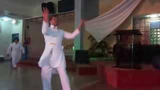 preview picture of video 'Especial: Hycliff Soler y familia danzando Hossana'